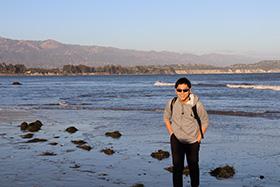 UC Santa Barbara キャンパス内の海岸にて